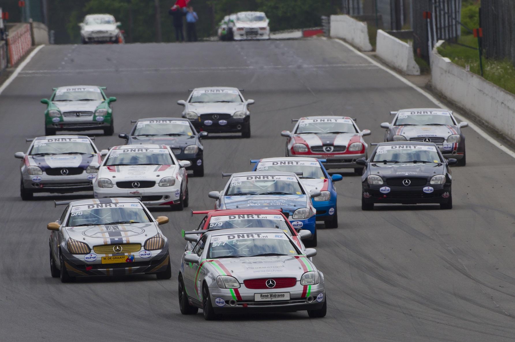 Nieuwe klasse biedt ook in zolder spannende races for Mercedes benz cup