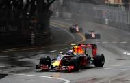 """Verstappen valt uit in Monaco na inhaalrace: """"Enorm teleurstellend"""""""