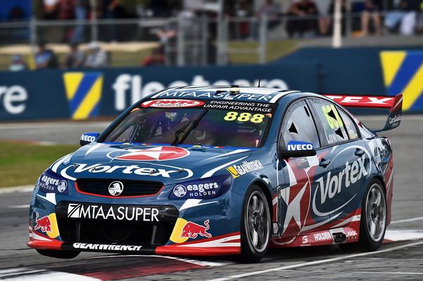 Craig Lowndes, in Perth niet de snelste, maar wel de slimste © zimbio.com