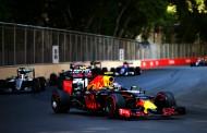 """Max scoort 8e plek in eerste GP in Baku: """"Lastige start, goed einde"""""""