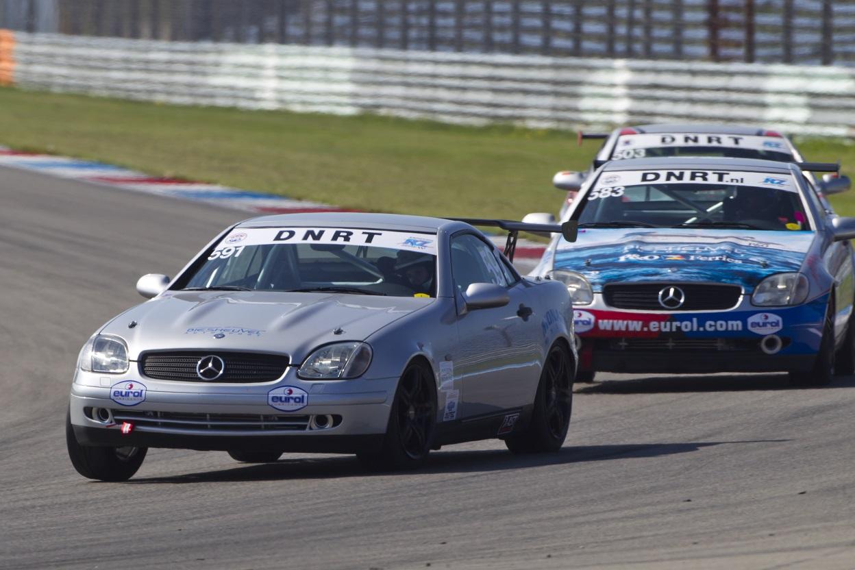 Zonnige races mercedes benz slk cup in assen autosportnieuws for Mercedes benz cup