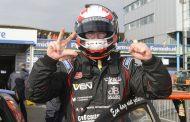 Stan van Oord dankzij twee podiumplaatsen op TT Circuit Assen derde in Supercar Challenge kampioenschap