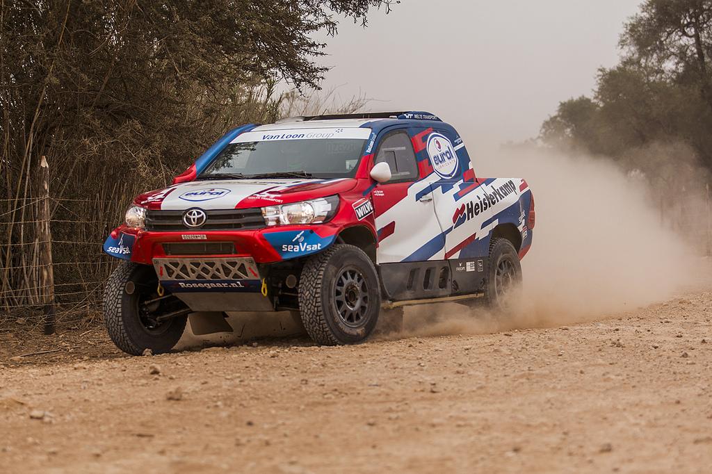 De OiLibya Rallye kan beginnen voor Van Loon