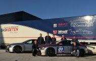 Bas Koeten Racing neemt nieuwe Audi RS 3 TCR auto's in ontvangst