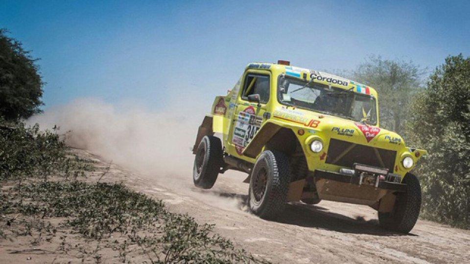 Het zou een stunt zijn als deze oude opgeknapte IAME Jeep de finish haalt © elonce.com