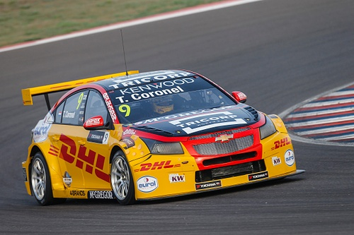 Tom Coronel pakt dubbele Top 10 en kostbare punten tijdens FIA WTCC races in Argentinië