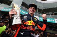 """Max Verstappen zegeviert in Maleisië: """"Geweldig om te winnen"""""""