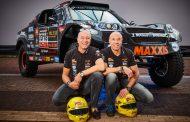 Tim en Tom Coronel met zijn tweeën in 'The Beast' naar Dakar-rally