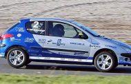 Tijn Middeldorp zijn sterke eerste seizoen in de autosport binnen de DNRT Peugeot 206 GTi Cup!