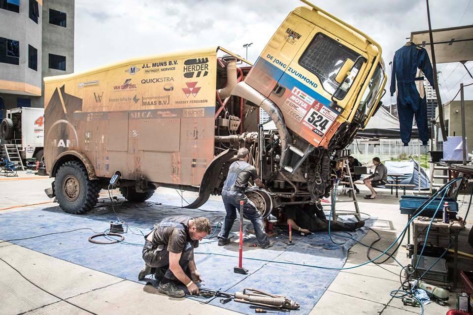Drukke rustdag in La Paz voor Rainbow Truck Team