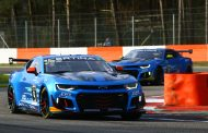 Solide puntenfinishes voor V8 Racing bij GT4 debuut nieuwe camaro