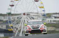 Fotofinish voor Stan van Oord tijdens door 110.000 racefans bezochte Jumbo Racedagen driven by Max Verstappen op Zandvoort