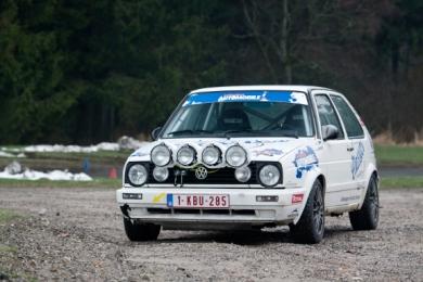 Het duo Daffe-Jeanquart in de Legend Boucles met een VW Golf