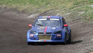 Versnellingsbak problemen houden JJ Racing uit de finale in Lydden Hill.
