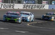 """In de aanloop naar de finale van de NASCAR Whelen Euro Series op Circuit Zolder spraken we met… Stienes Longin: """"Close racing is echt mijn ding!"""""""