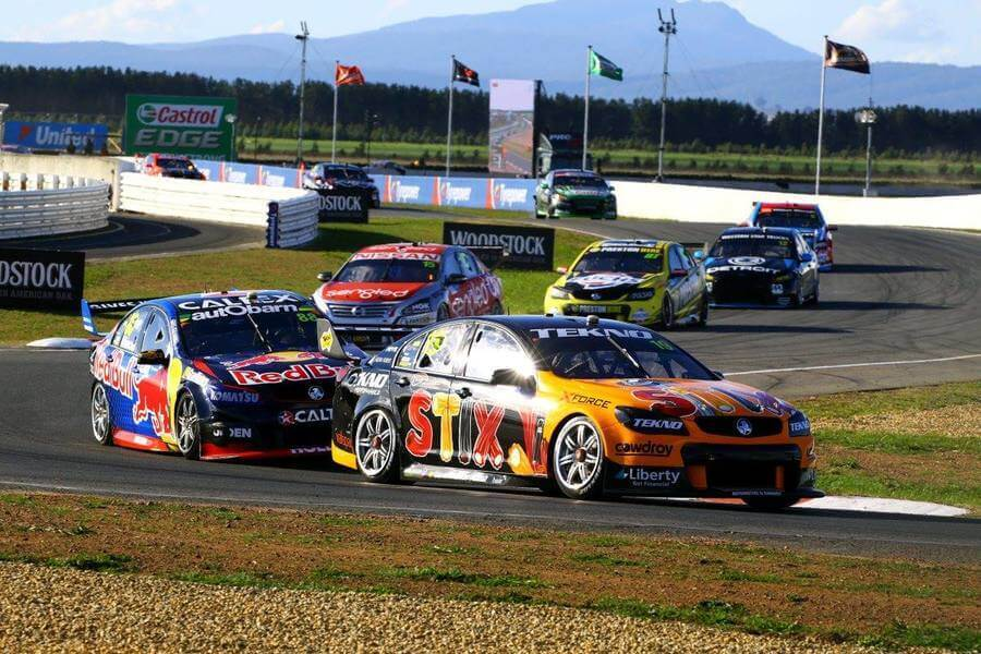 Tasmanian Supersprint: Will Davison lachende derde na fouten Red Bull