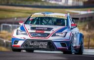 Bas Koeten Racing met twee SEAT Leon Cup Racers én Tom Coronel in TCR Benelux