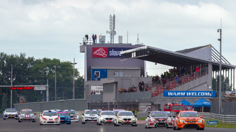 ARC Bratislava by Ferry Monster Autosport- SEAT leidt met lokale rijders