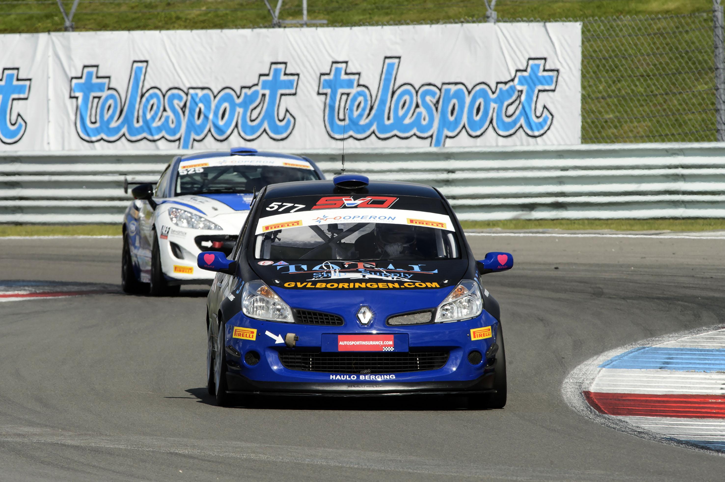 Stan van Oord wint voor volle tribunes tijdens Gamma Racing Day op TT Circuit Assen