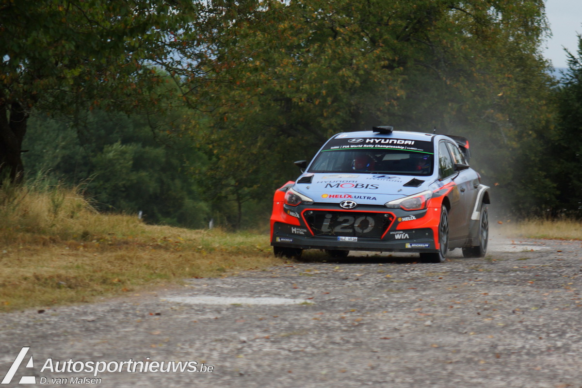 Thierry Neuville en Nicolas Gilsoul aan de start!