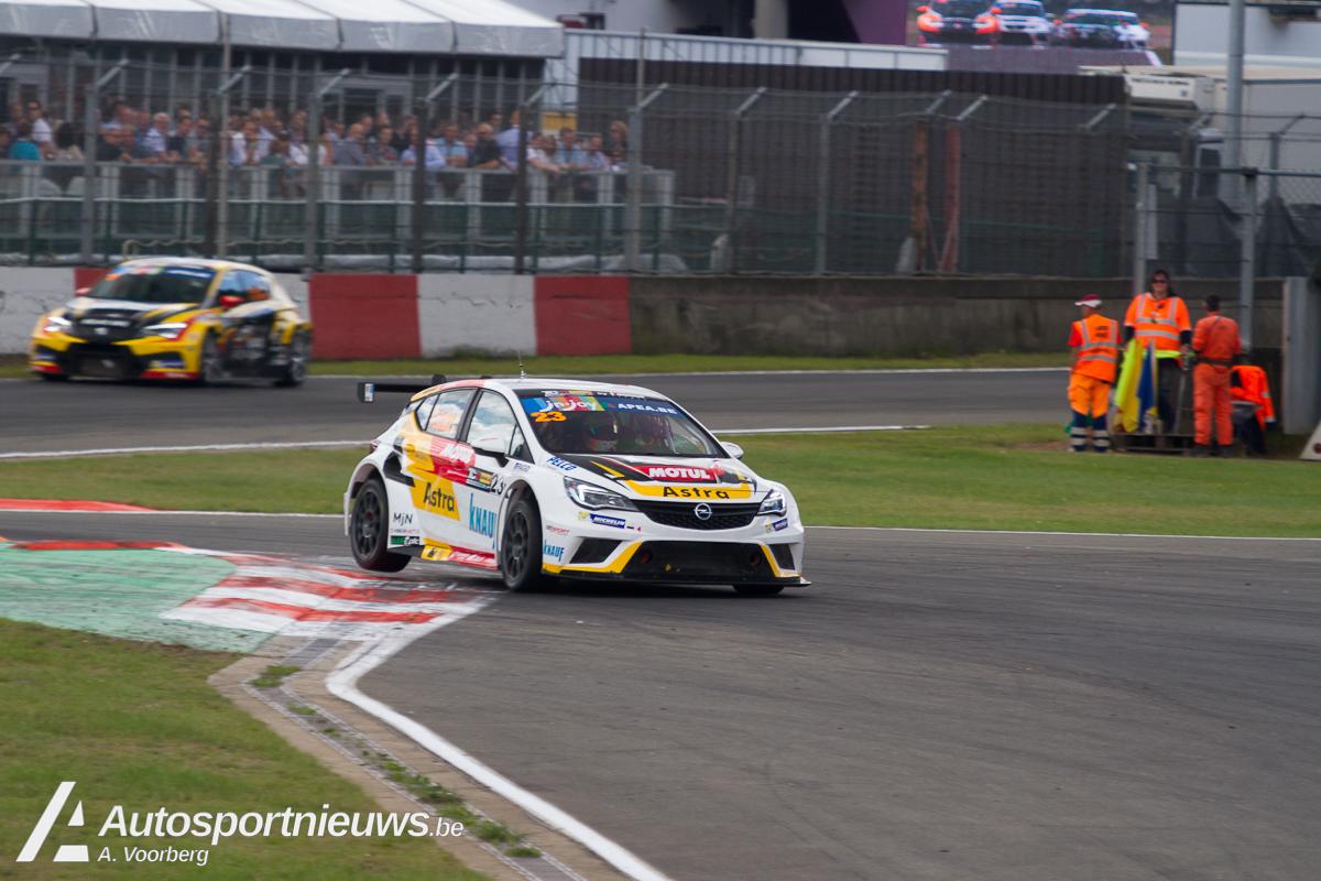 De Opel Astra TCR van Corthals-Caprasse domineert de Qualifying Long Race