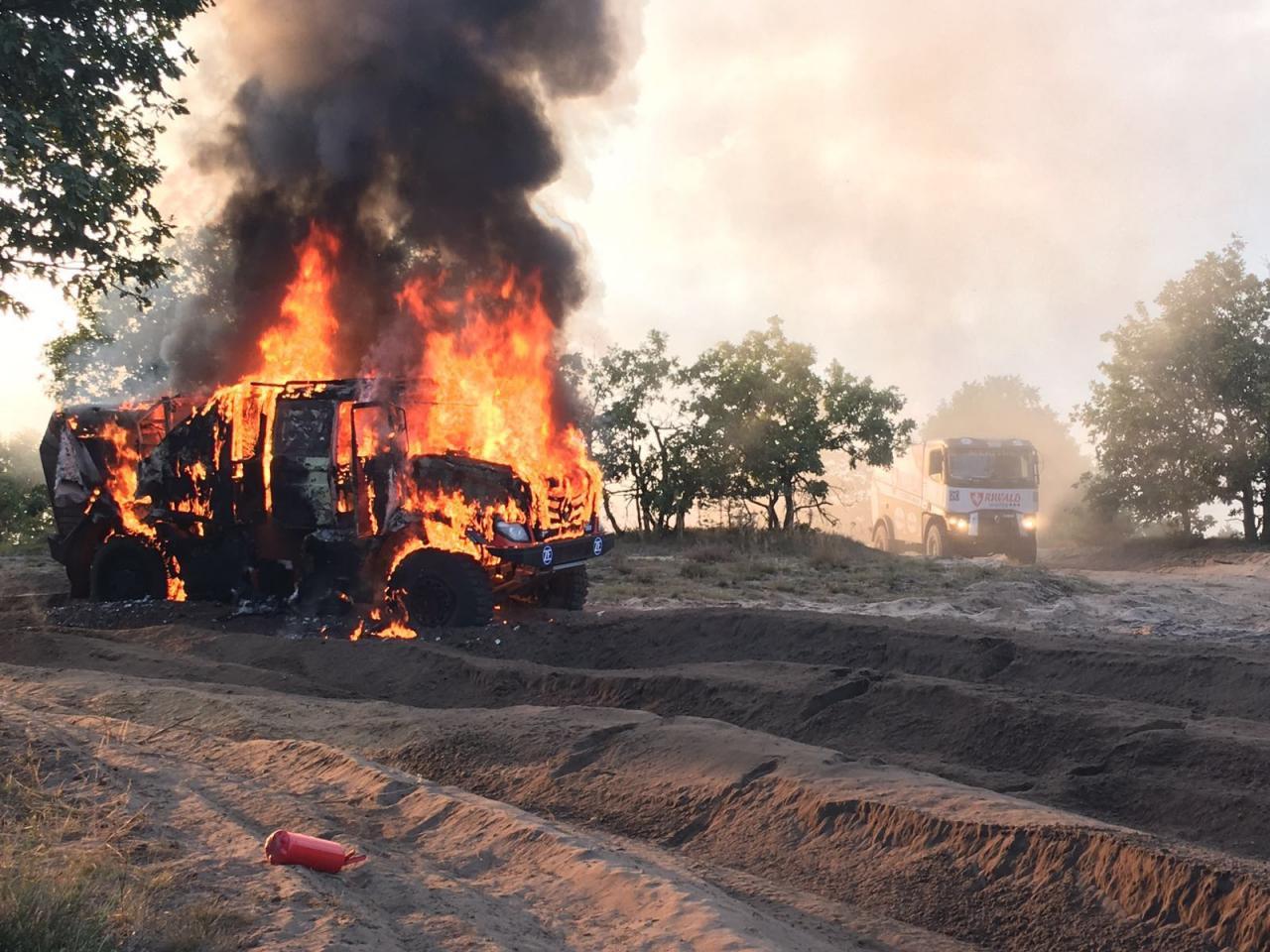 Truck Mammoet Rallysport afgebrand tijdens test