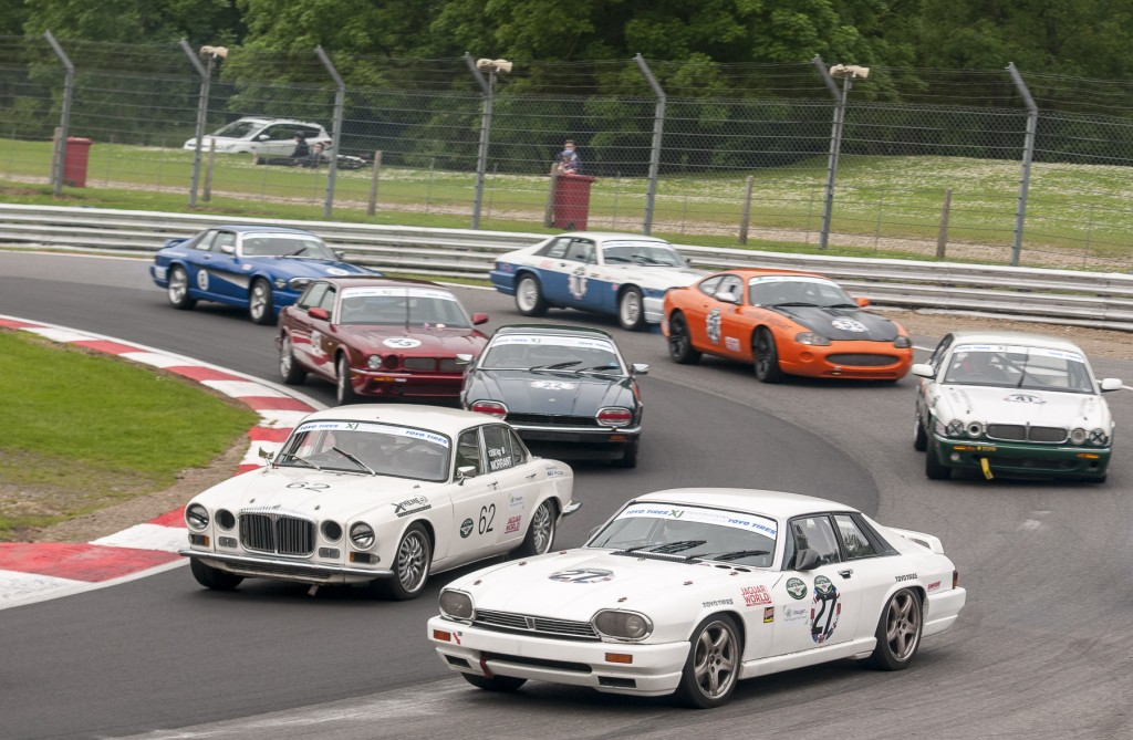 British Race Festival pakt uit met races van Jaguars en pre-war Morgan driewielers