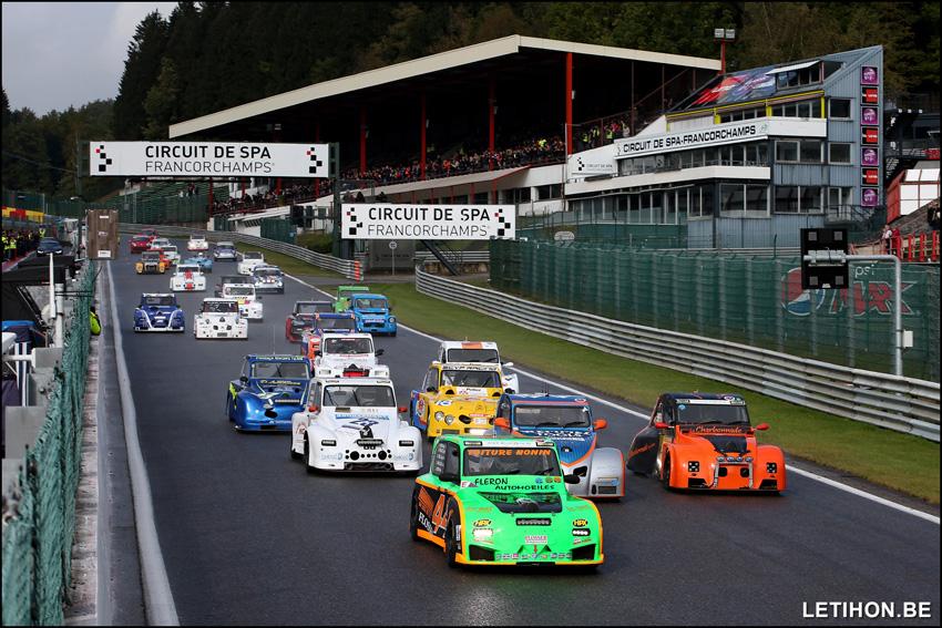 Eerste succes na eindsprint voor de #70 CGS Racing Team van Hooreman-Hooreman-Renaux-Dejonghe!