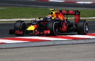 Verstappen scoort opnieuw podium in Maleisië, Red Bull één-twee