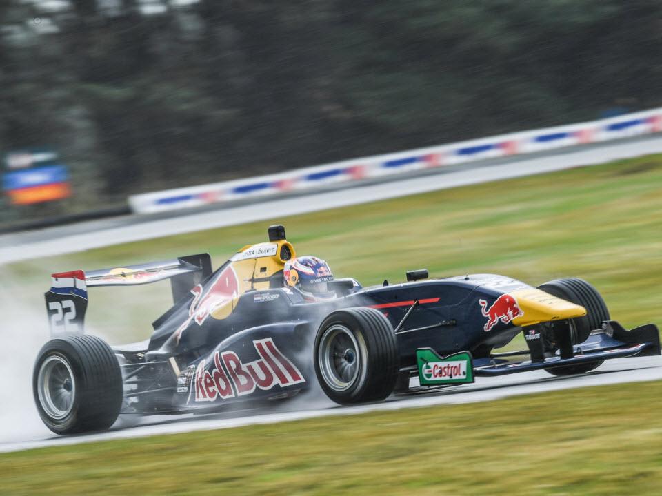 Dubbele overwinning voor ktf-talent richard verschoor in toyota racing series