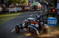 Tim en Tom Coronel beginnen Dakar 2017 met 1-2'tje