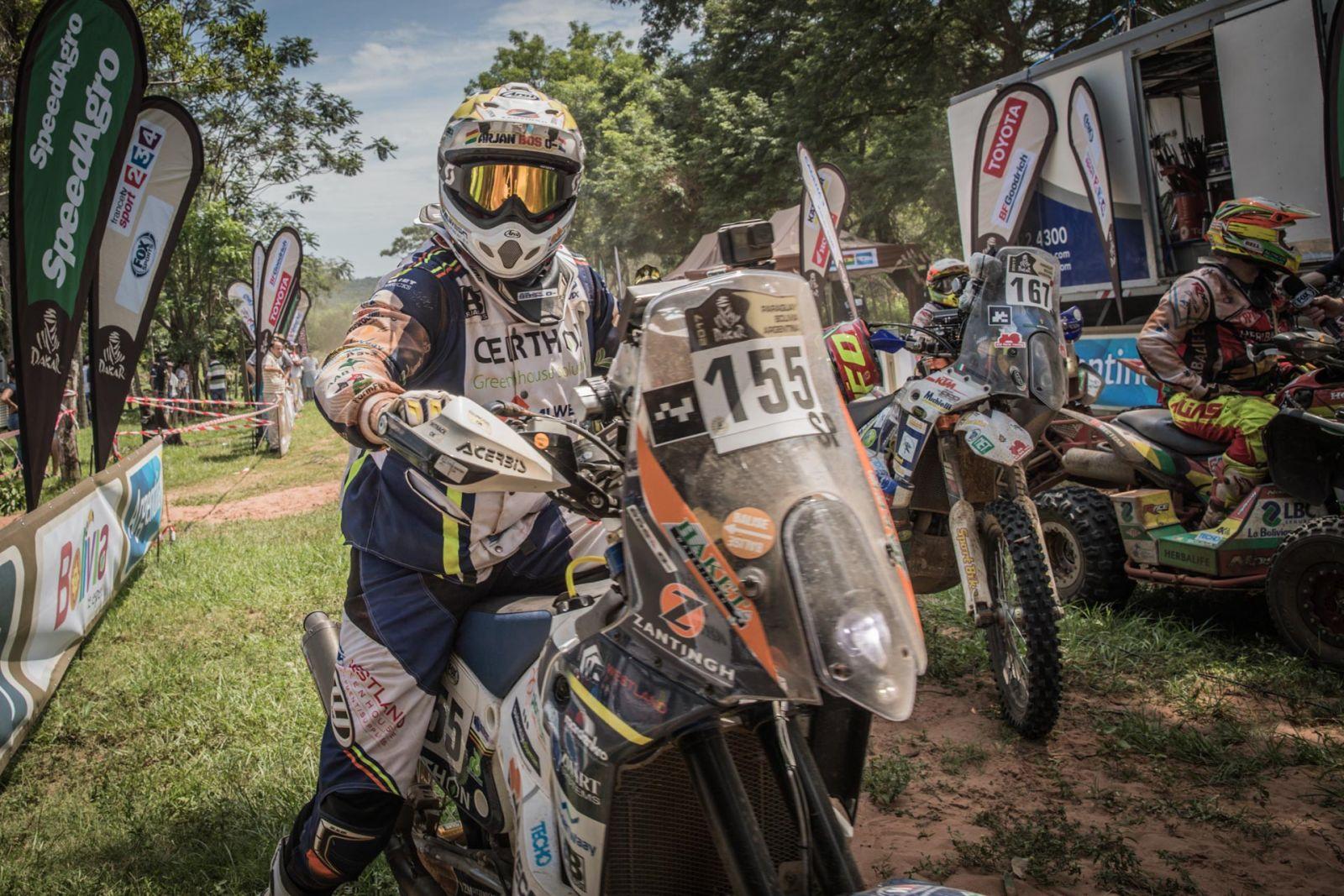 Arjan Bos snakt naar adem in Dakardebuut