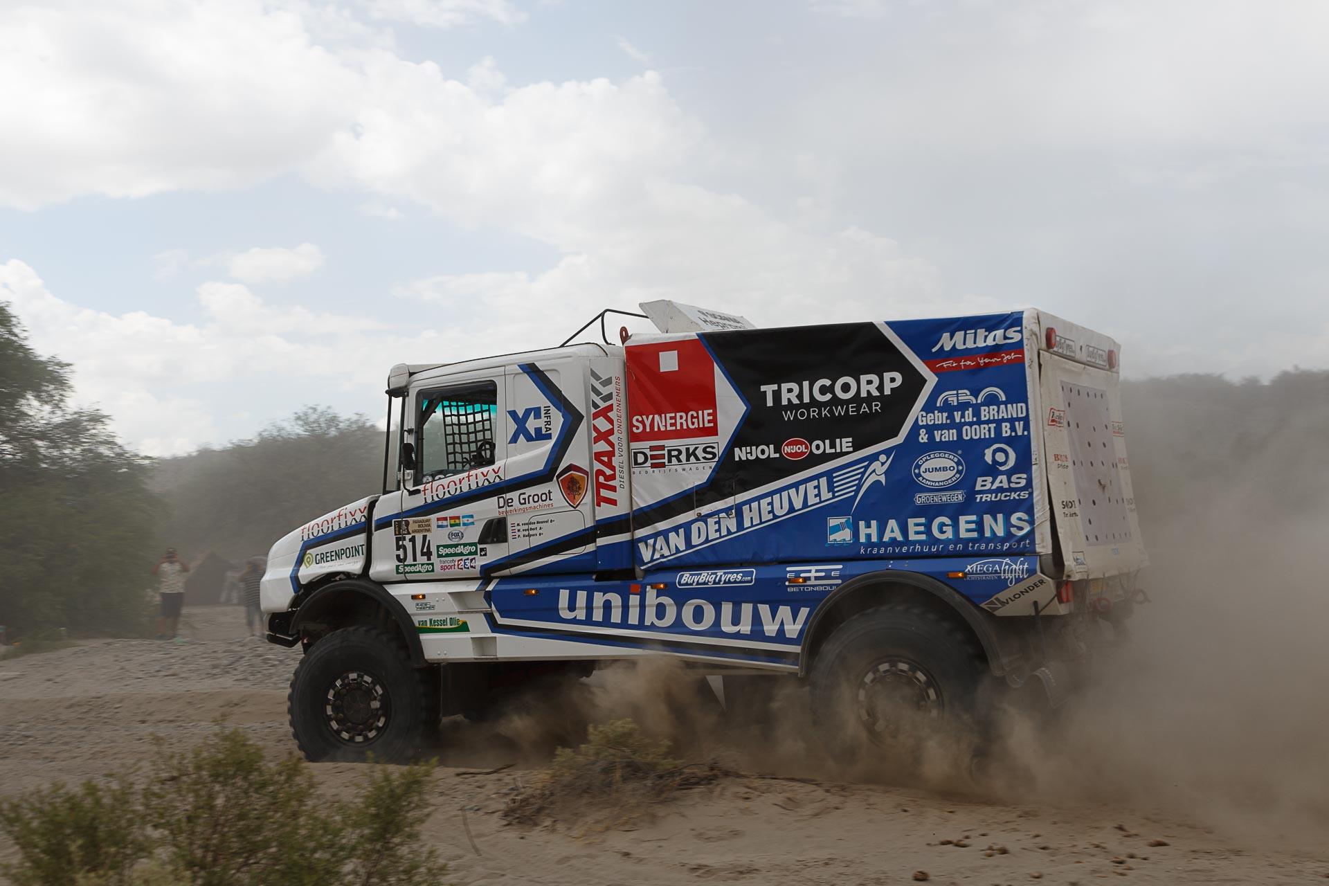 Een nachtje doorakkeren bij Team DakarSpeed