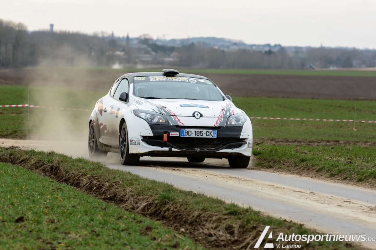 Renault tegen de Bmw's in criteriumkampioenschap - Tac Rally
