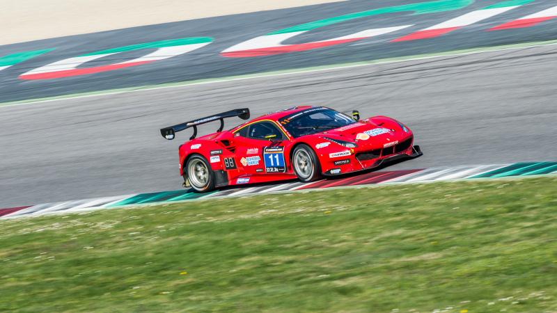Scuderia Praha-Ferrari leidt na eerste deel Hankook 12H MUGELLO