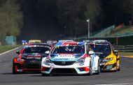 Mato Homola schenkt de Opel Astra Gocar een eerste zege in TCR Benelux
