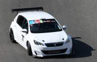 TCR: Kevin Abbring met Aurélien Comte op de Peugeot 308