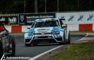 Drie VW Golf GTI TCR aan de start van de TCR Benelux in Mettet