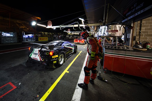 Louis Machiels, Niek Hommerson, Andrea Bertolini en Rory Butcher strijdend ten onder in Total 24 Hours of Spa