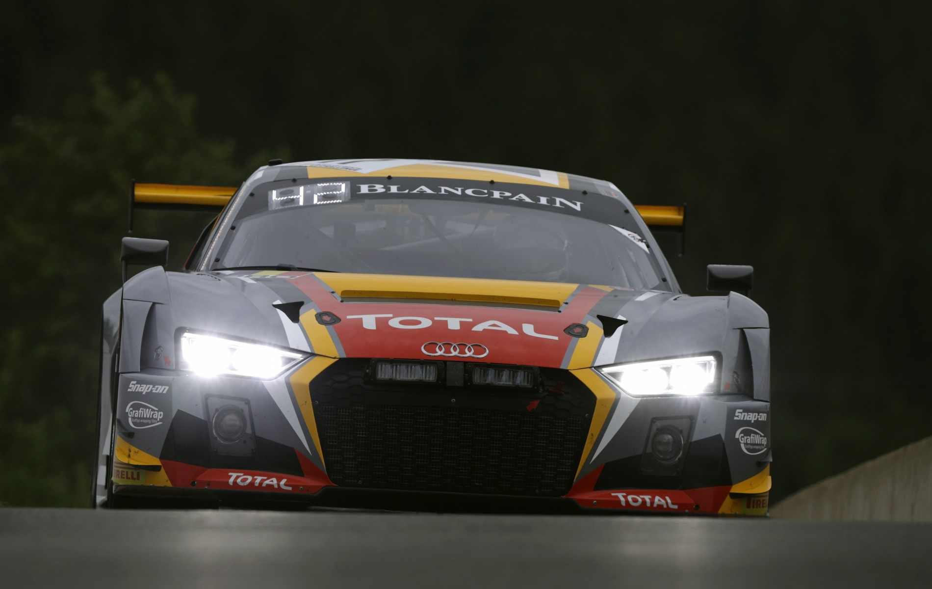 Belgian Audi Club Team WRT in de 8 Uur van Laguna Seca
