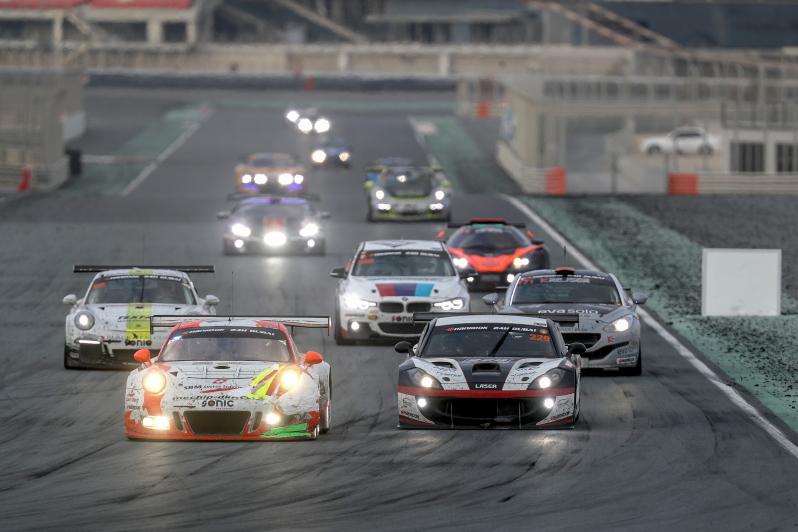 Twee weekeinden vol actie op Dubai Autodrome bij de start van de CREVENTIC SERIES powered by Hankook 2018