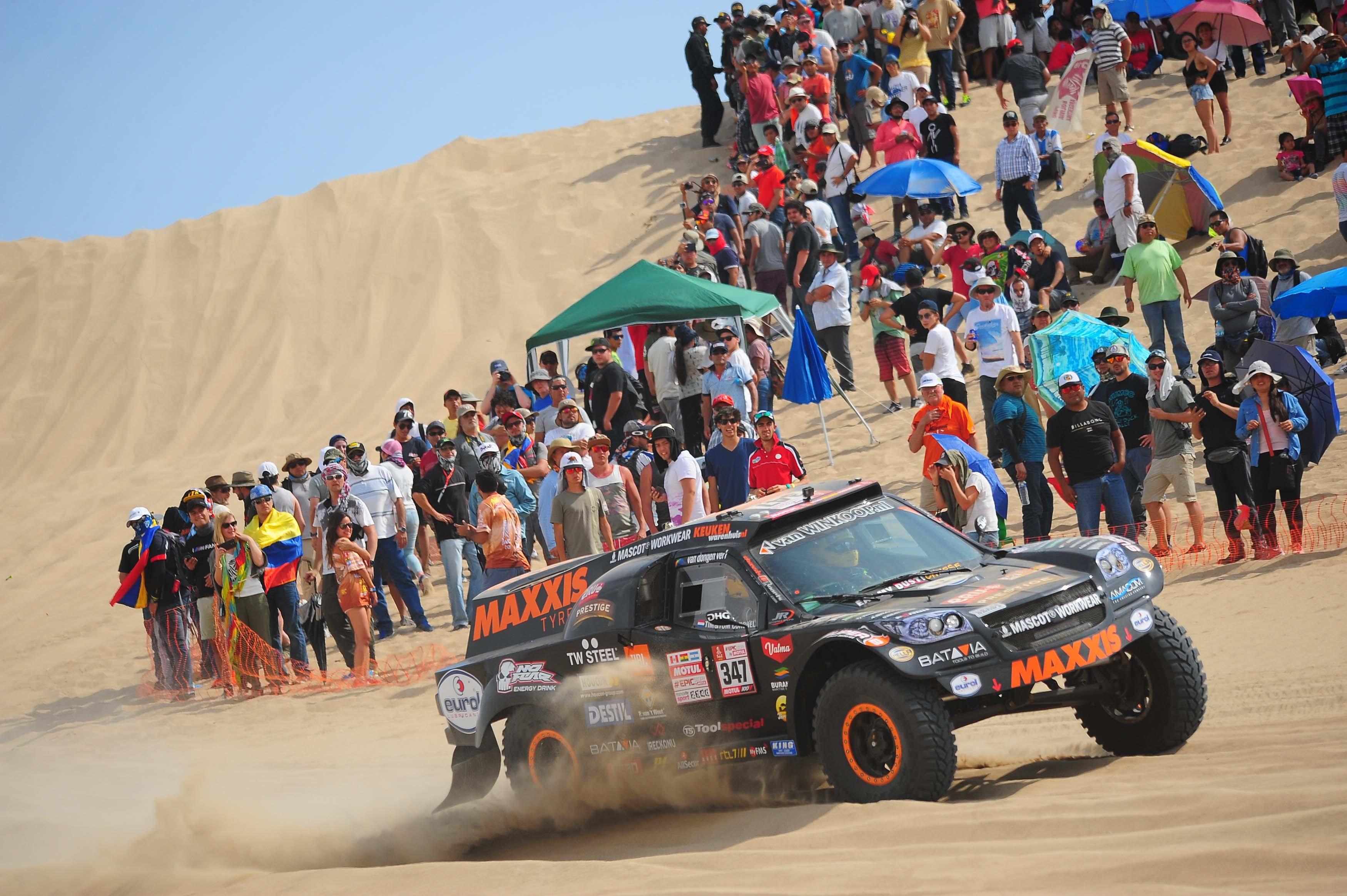Tim en Tom Coronel kregen kleine problemen te verwerken in 1ste etappe - Dakar 2018