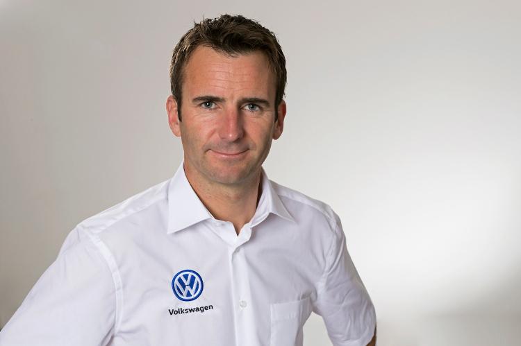 Romain Dumas aan het stuur van de elektrische Volkswagen-prototype in Pikes Peak