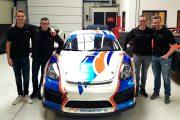 Porsche Cayman GT4 MR voor Joeri Vanhumbeeck, Marnik Battryn en Stienes Longin