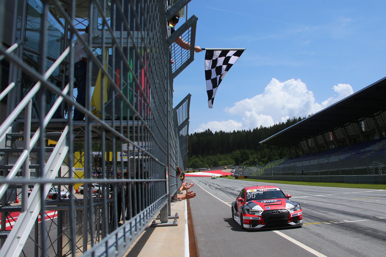 Dominante TCR Germany-zege op de Red Bull Ring voor Niels Langeveld