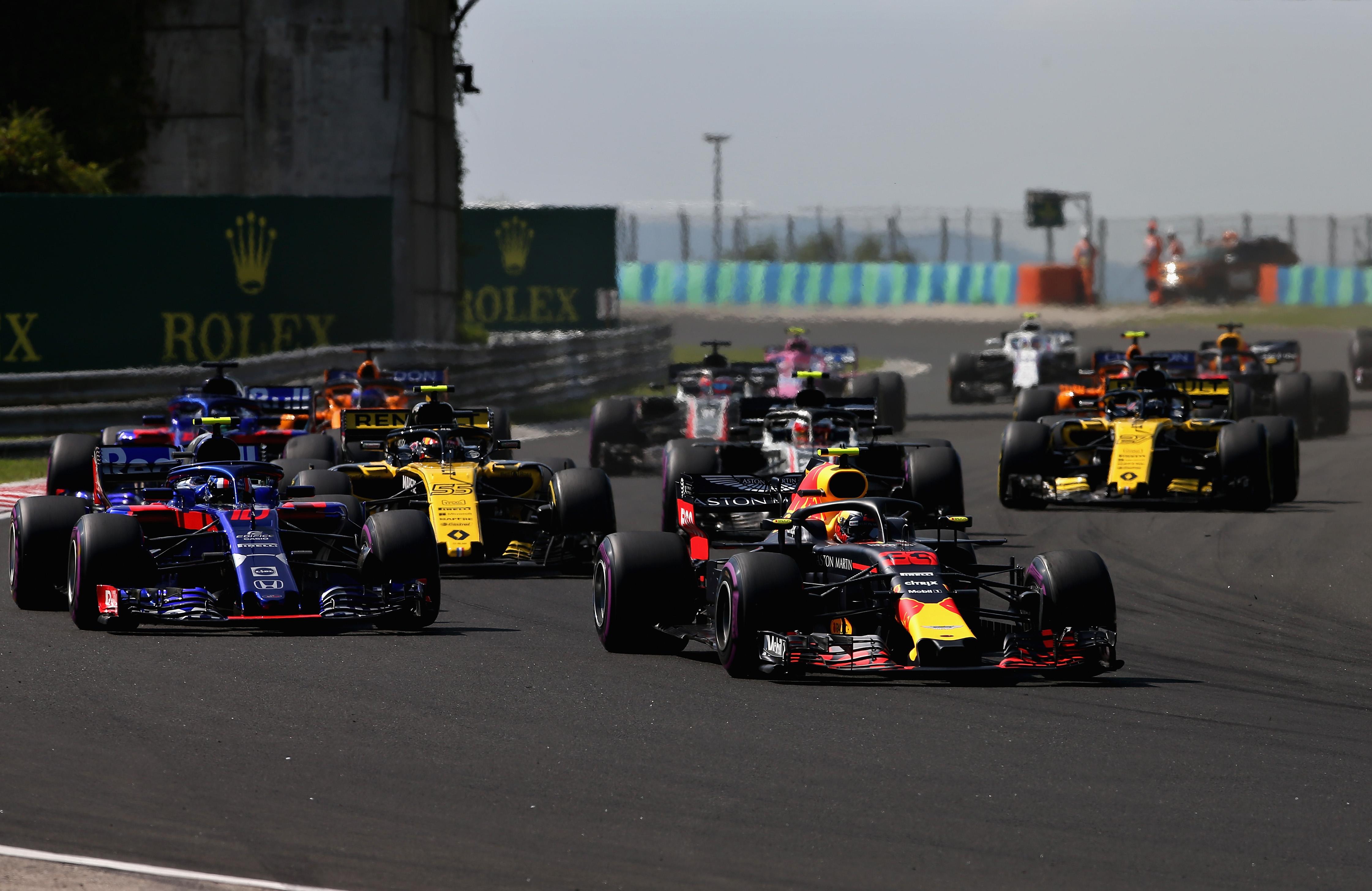Max valt met technische problemen uit in GP van Hongarije: