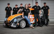 VGL Racing aan de start van de 25 hours FunCup ism Fontys Minor Motorsport Engineering