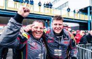 Stan van Oord met overwinning op TT Circuit Assen glansrijk kampioen Supercar Challenge Supersport I