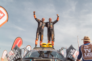 Tim en Tom Coronel finishen Dakar Rally 2019