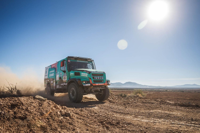 Team De Rooy met Ton van Genugten naar Morocco Desert Challenge